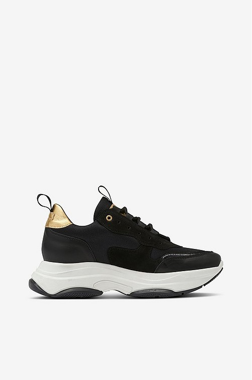 d3b926f82a4f Agnes Cecilia. Sneakers Thick Outsole Leather