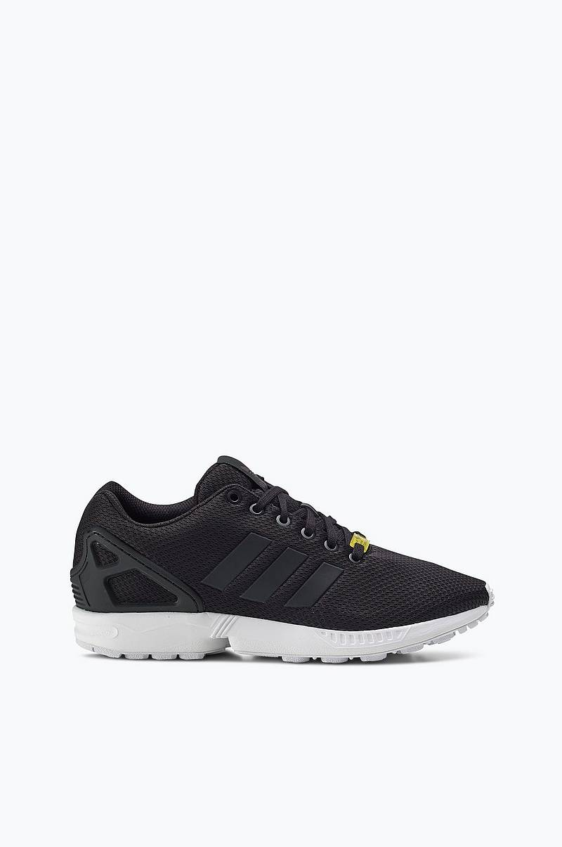 ZX Flux lenkkarit