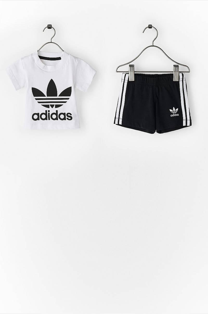 Sett med shorts og T-shirt