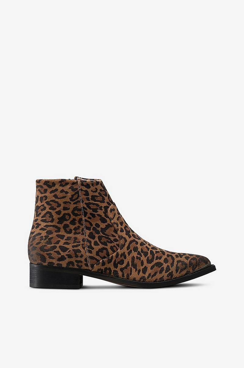 Boots Electric Leopard Suede