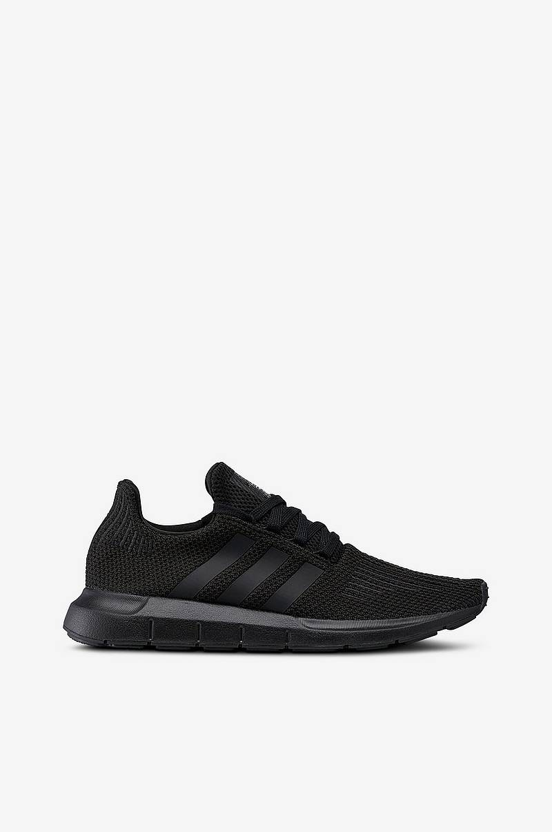 online retailer eebb9 9474a Adidas Originals Swift Run -citylenkkarit