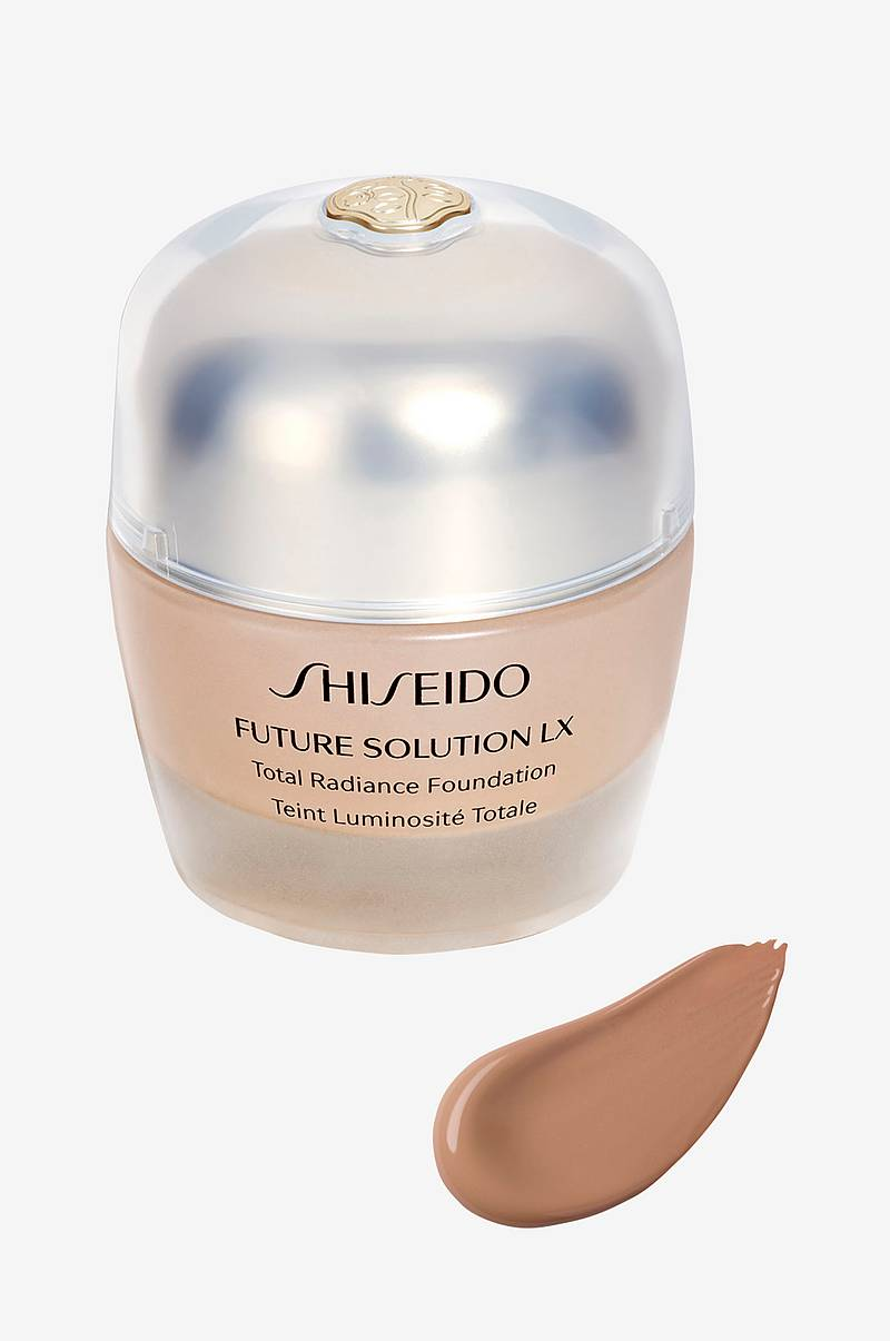 Future Solution Total Radiance Foundation 30ml
