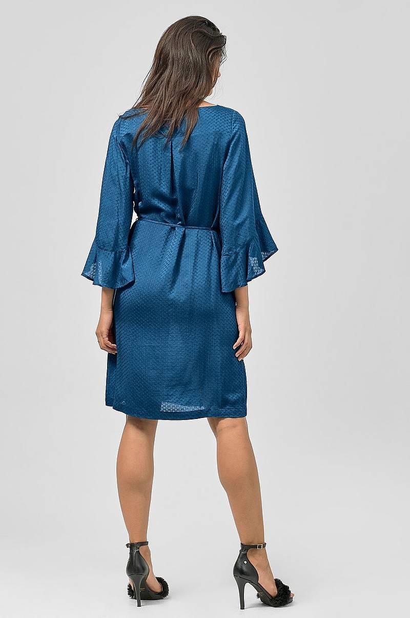 Klänningar i olika färger - Shoppa klänning online Ellos.se b8c92663d42f4