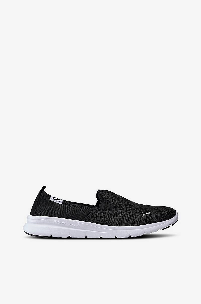 Flex Essential Slip On tennarit