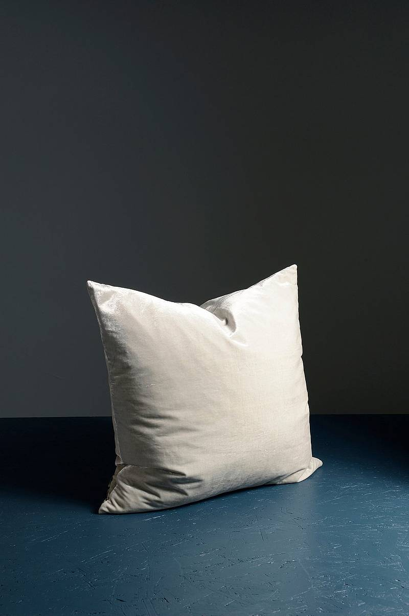 Plain cushion