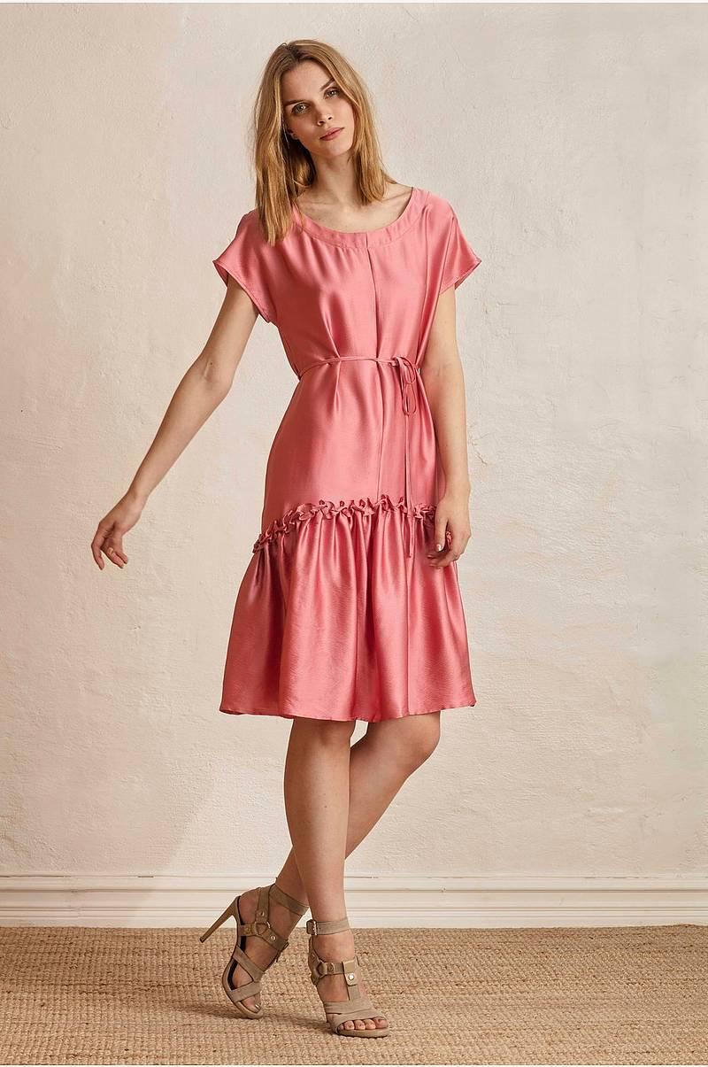 55f57089 Festkjoler i forskellige modeller - Shop online Ellos.dk