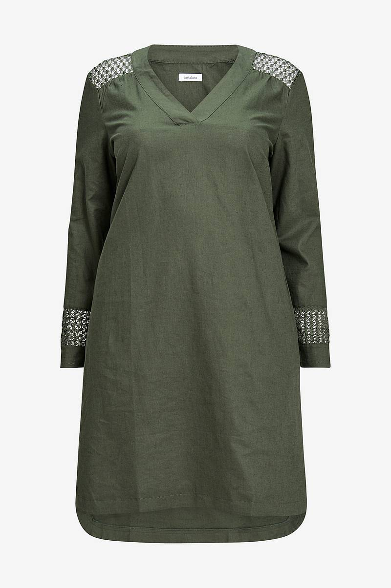 Rak klänning i linneblandning med spetsdetaljer 77999c6139c66