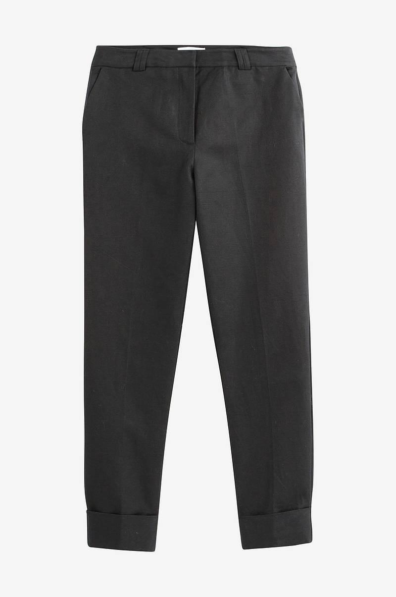 0afef078 Smal bukse med normalhøy midje