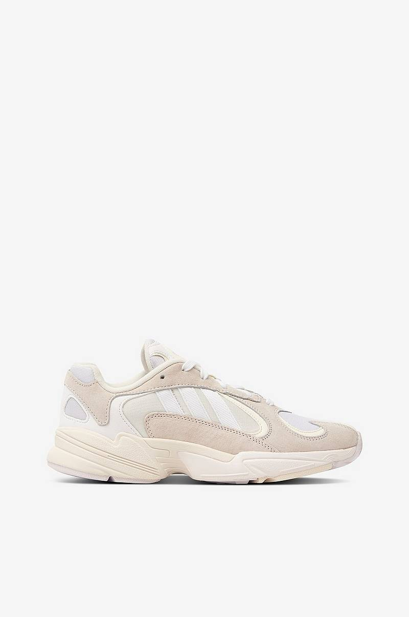 Sneakers Yung 1