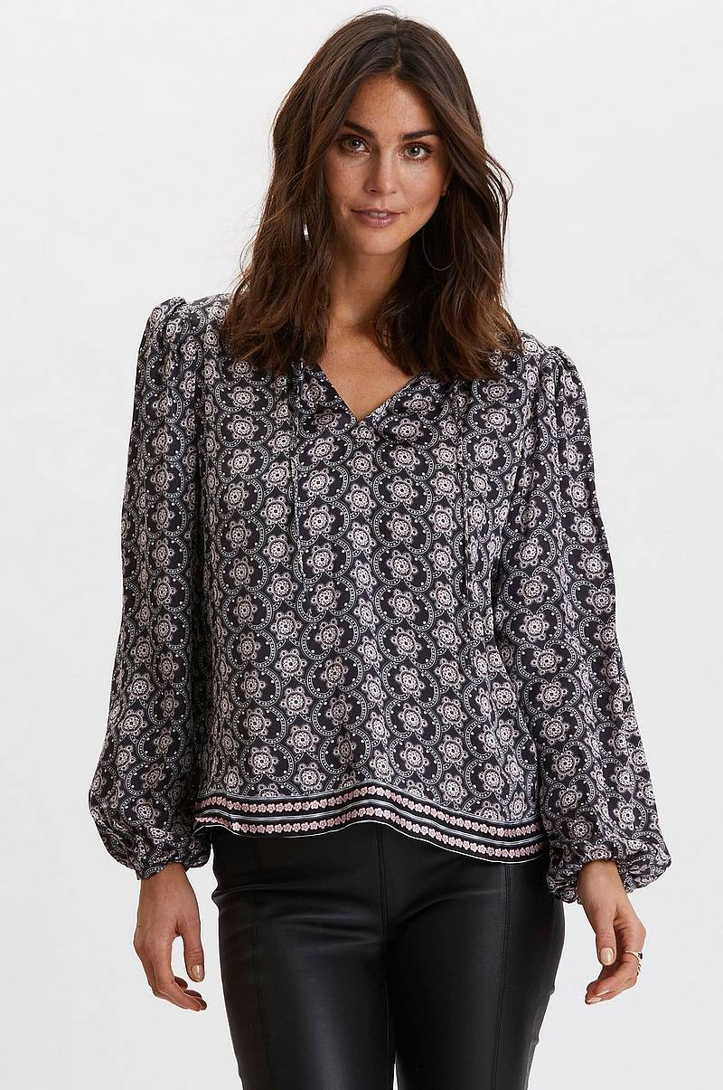 Blus Insanely Right Blouse