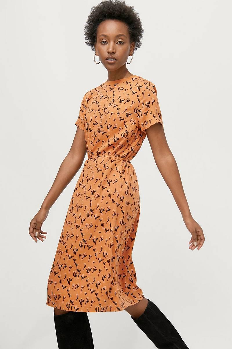 Korte kjoler i forskellige farver Shop online Ellos.dk
