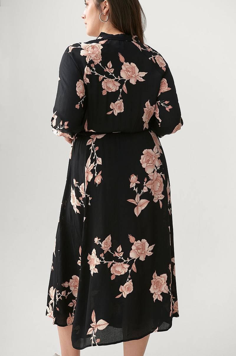 Kjoler i forskjellige farger Shop online Ellos.no