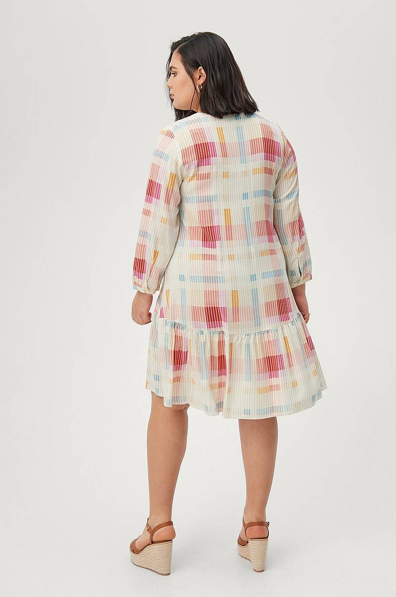 Mekko xMulti 3/4 Knee Dress