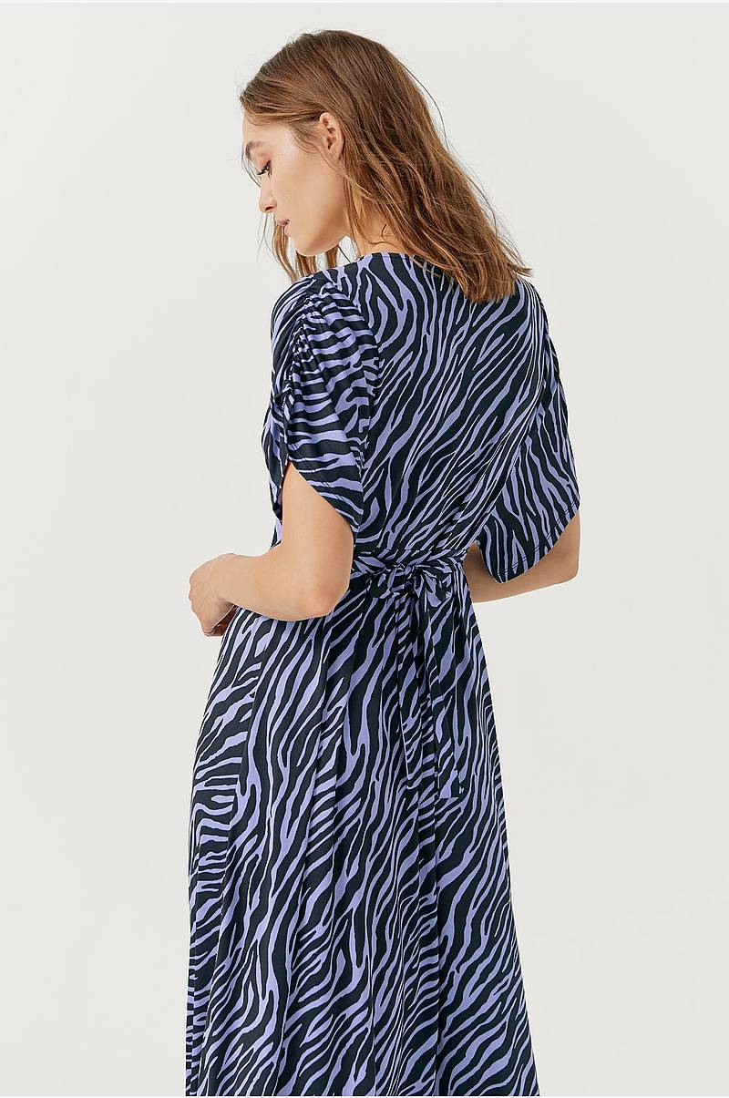 e921dff4781d Klänningar i olika färger - Shoppa klänning online Ellos.se