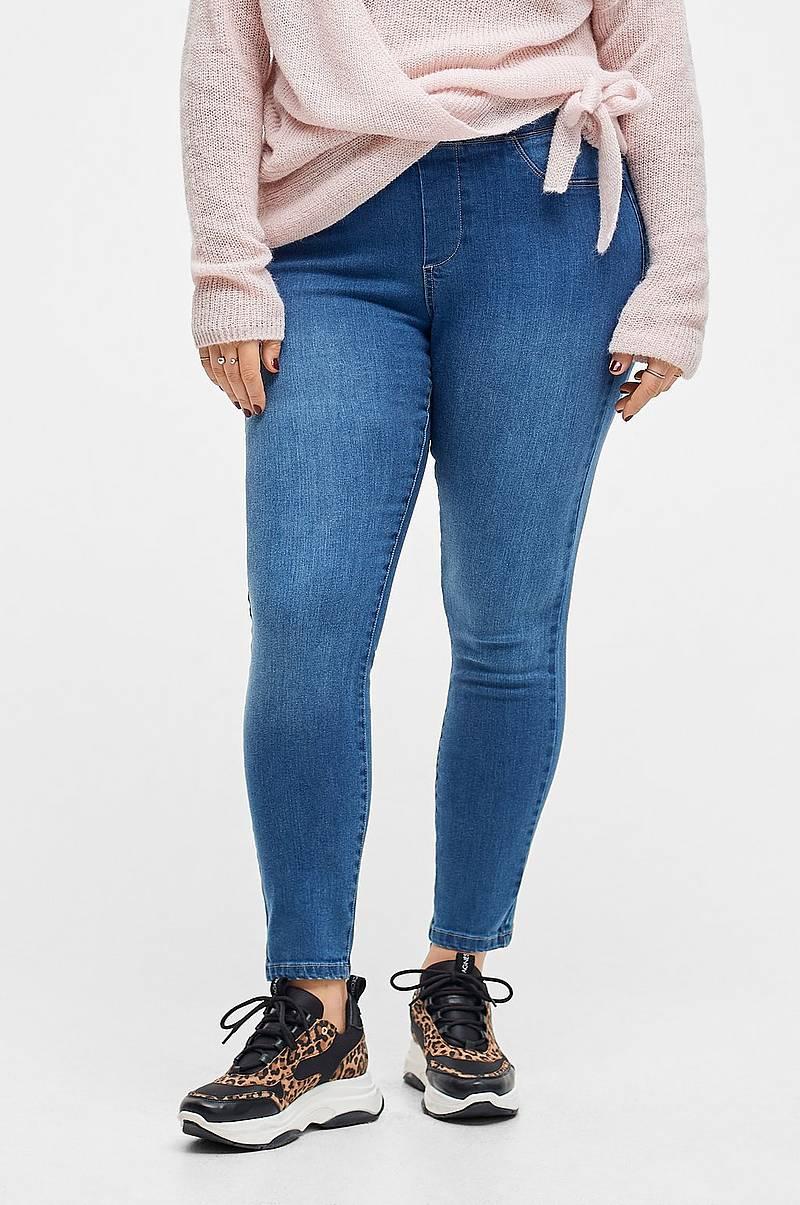 Farkut netistä – shoppaile naisten farkkuja netissä Ellos.fi f9afe7c4c5
