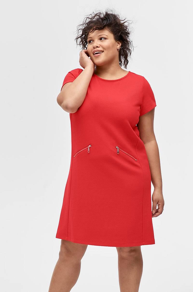 Ellos-plus-collection Klänningar i olika färger - Shoppa klänning ... f1c57efc0ff1d