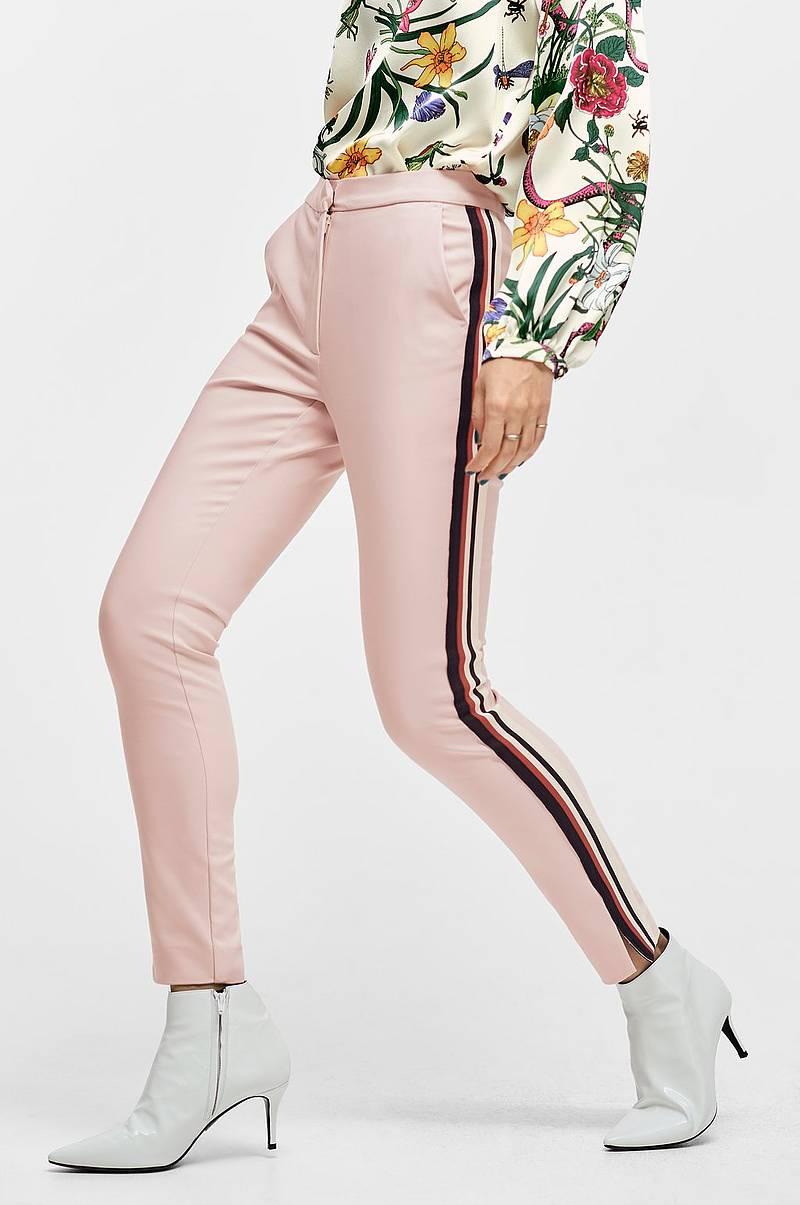 20247a24 Bukser i forskjellige modellene - Shop online Ellos.no