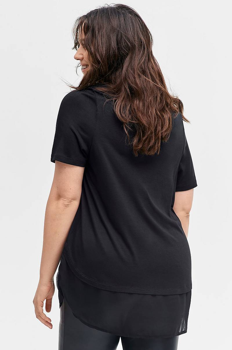 2eb4c5872311 We love shapes - kläder i stora storlekar - Ellos.se