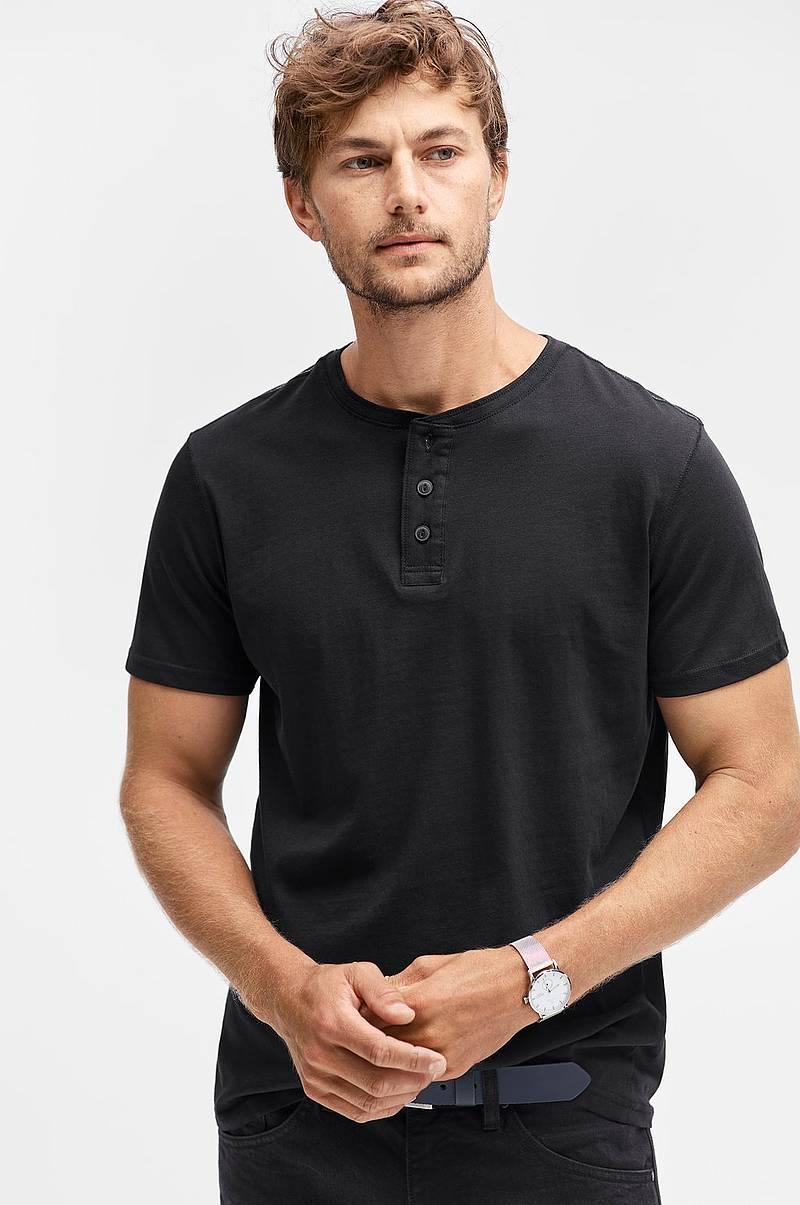 T-shirt med knappar c85e3ec97dec0