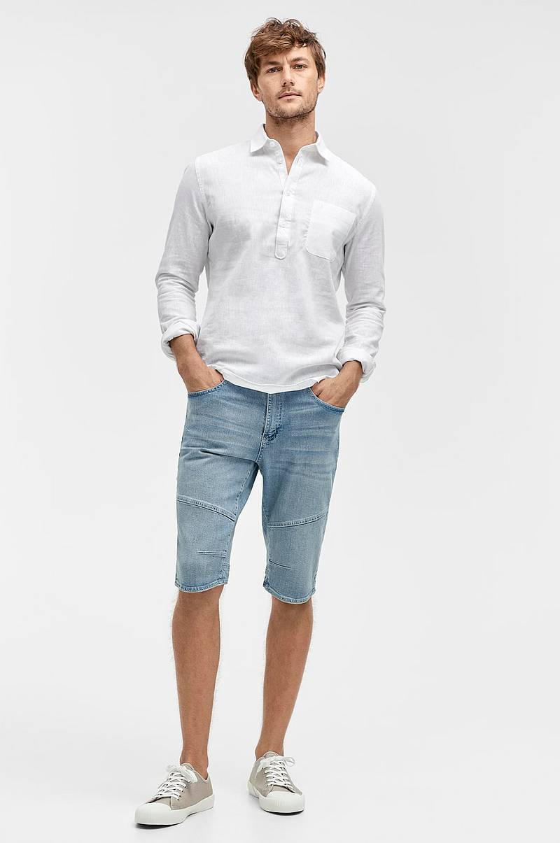 Jeansshorts i over knee-modell