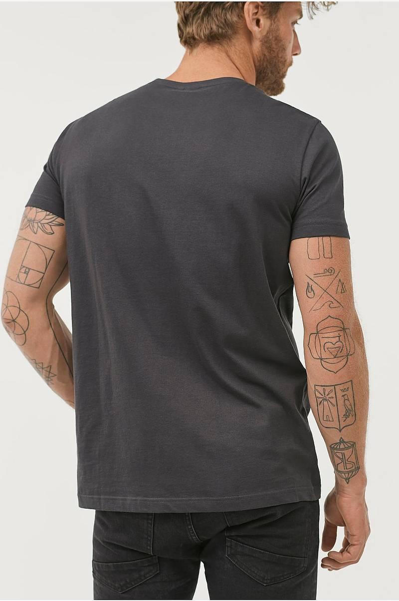 6e95bcd5 T-shirt med print