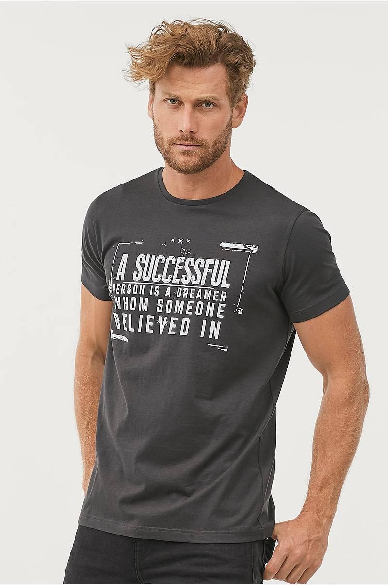 5365ca6e T-shirt med trykk