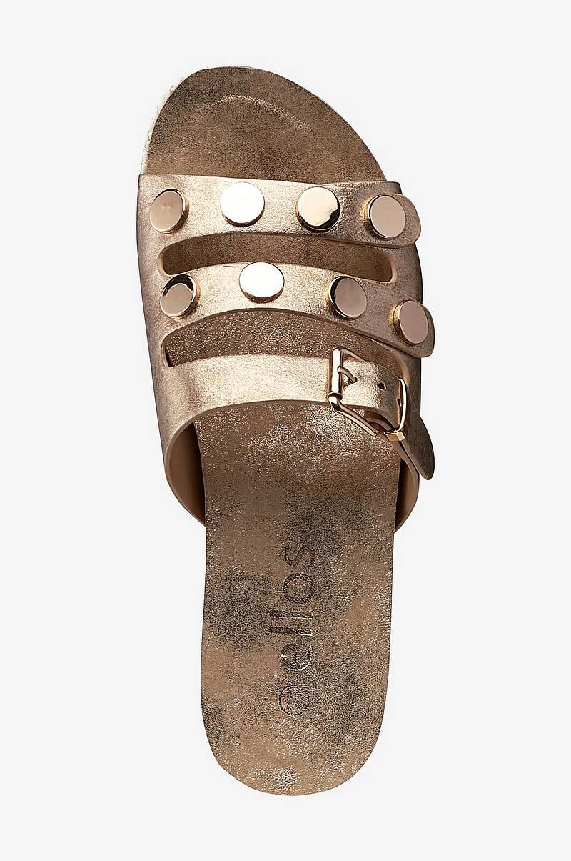 64c76350 Sandaler Flatform Studs