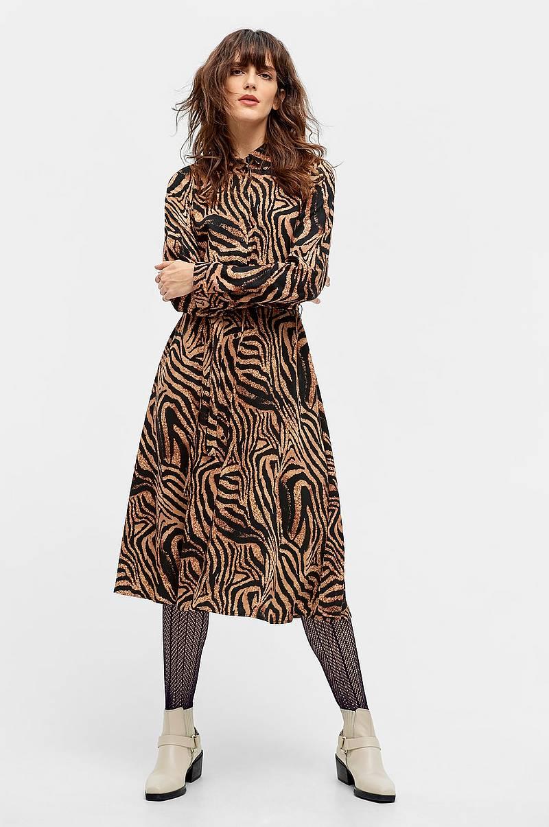 cea278e68a05 Korte kjoler i forskellige farver - Shop online Ellos.dk
