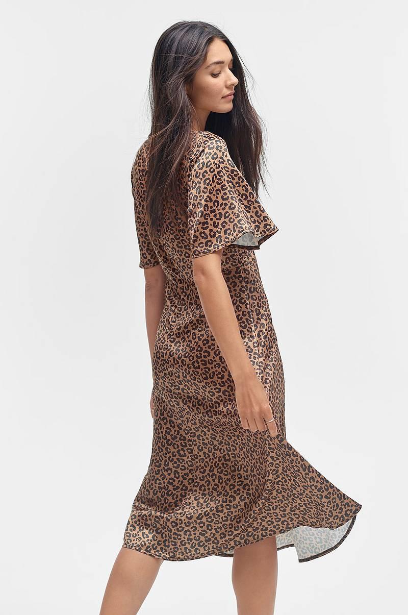 Klänningar i olika färger - Shoppa klänning online Ellos.se 9c676b2c734c9