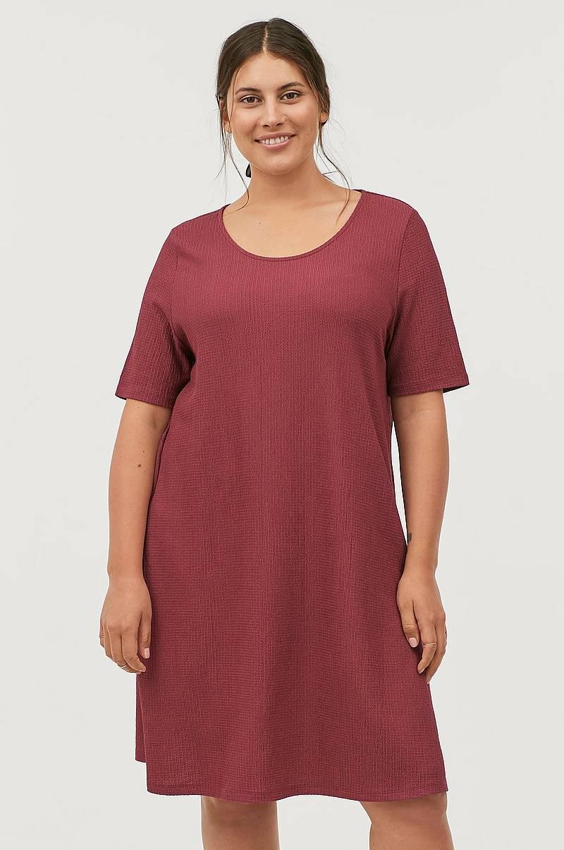 eea45fc8e088 Klänningar i olika färger - Shoppa klänning online Ellos.se