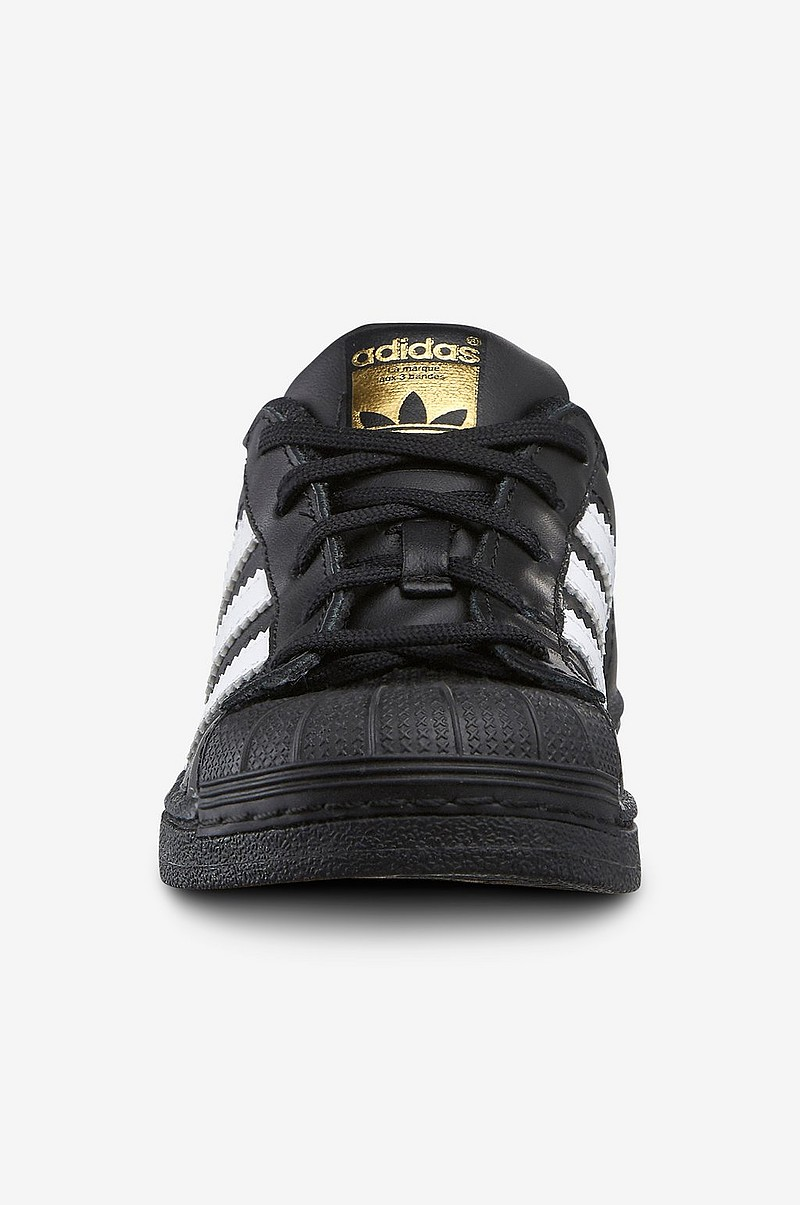 Sneakers Superstar Foundation