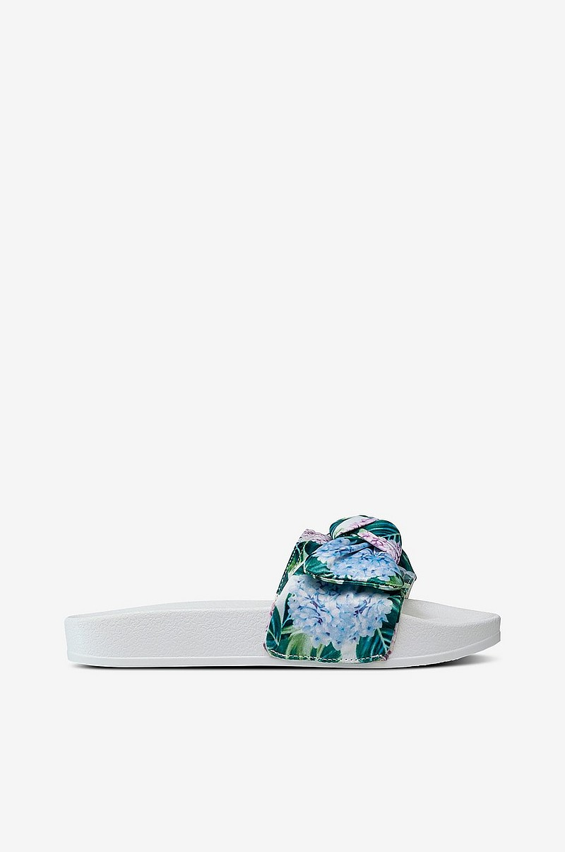 Sandal Pool Bow