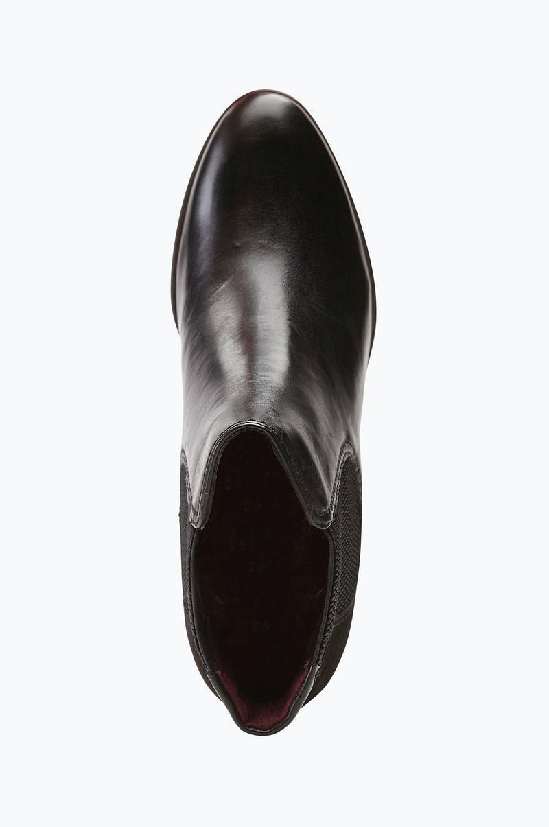 chelsea boots klack