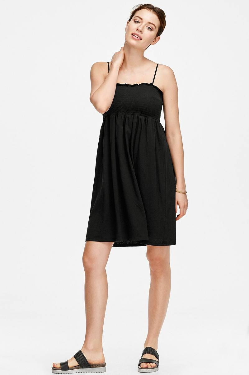 klänning med smock upptill