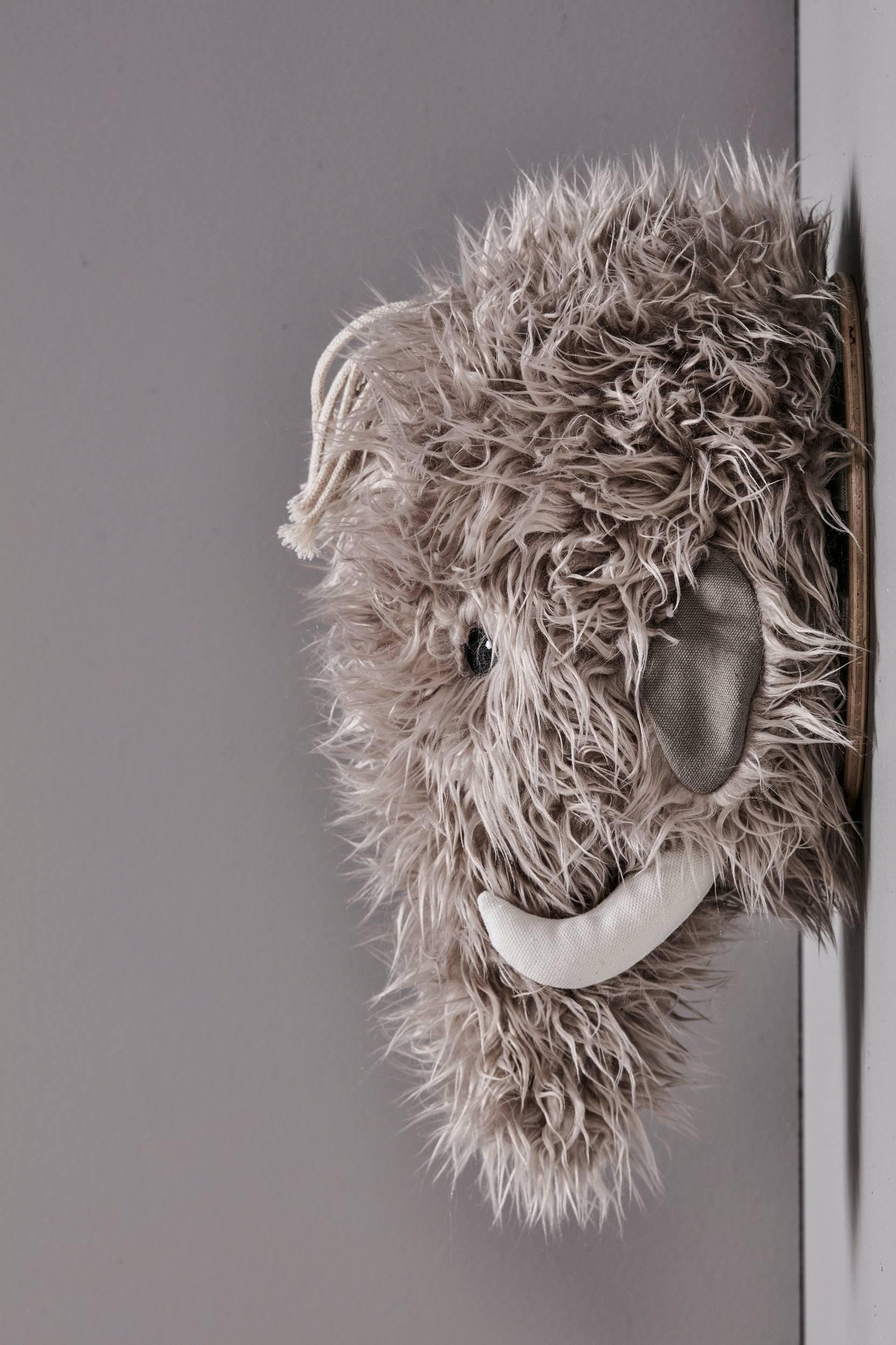 Neo Mammut -seinäkoriste
