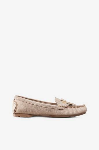 Loaferit nahkaa, jossa kimalletehoste