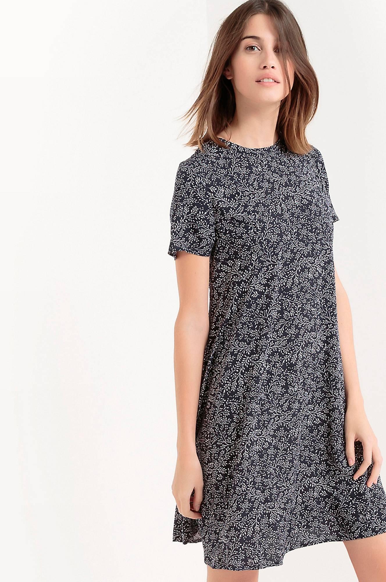 Kuviollinen, lyhythihainen mekko