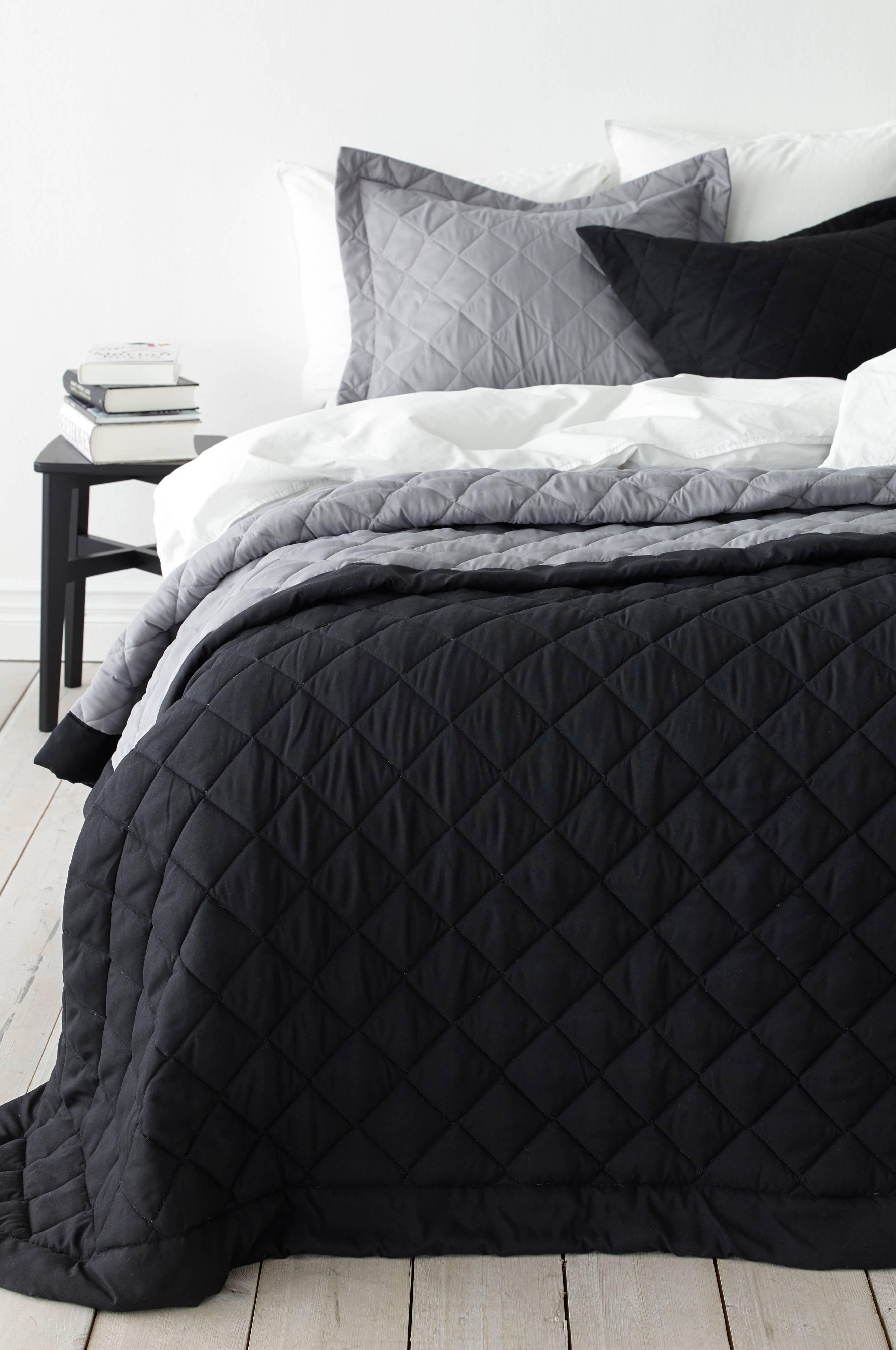 sort sengetæppe Ellos Home Sengetæppe Tora 150x250 cm   Sort   Bolig & indretning  sort sengetæppe