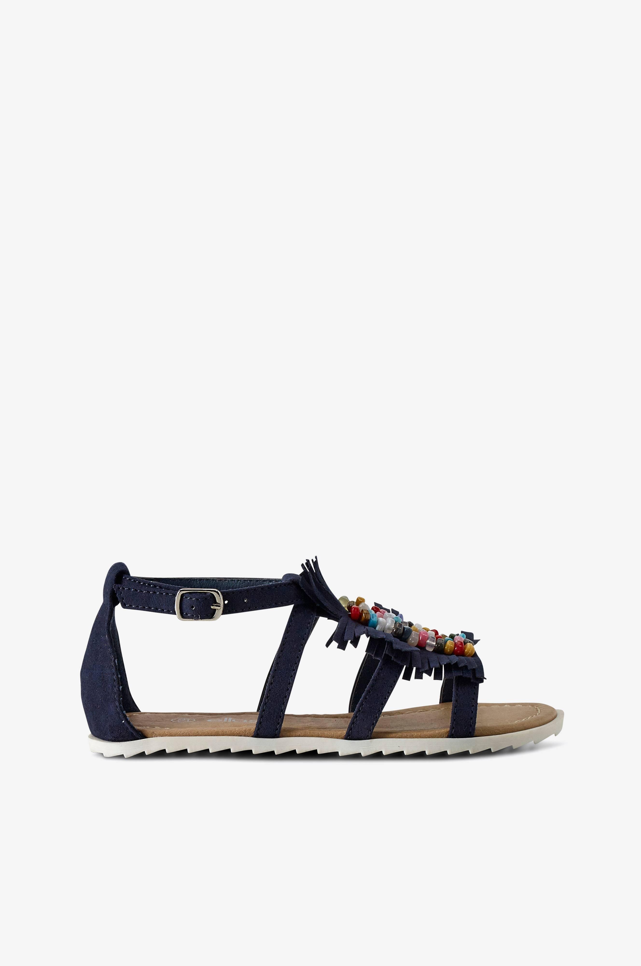Find every shop in the world selling sandaler og slippers at