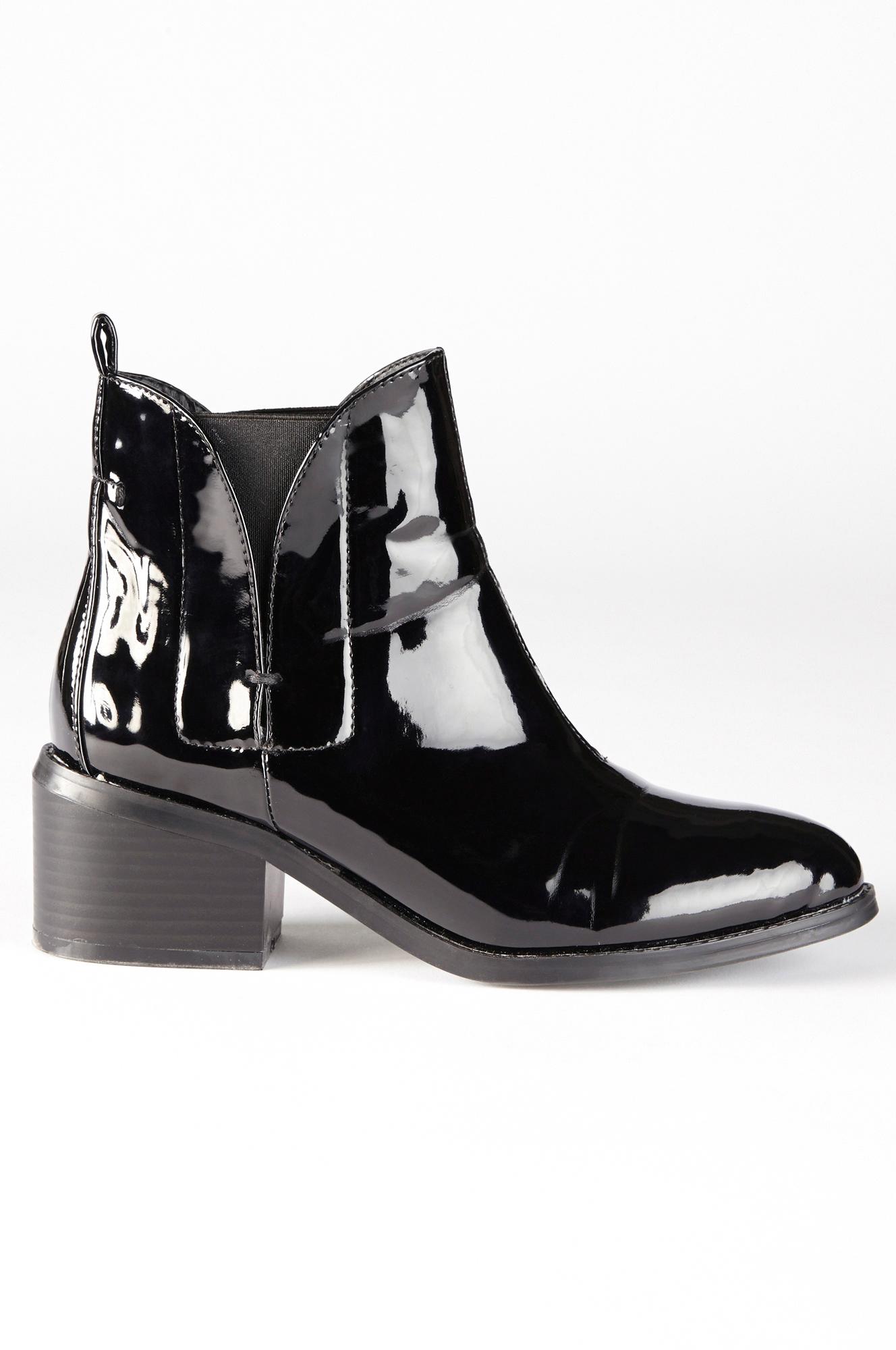 lack boots dam