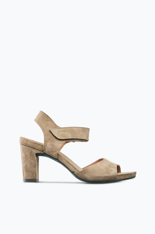 Sandaletit mokkaa