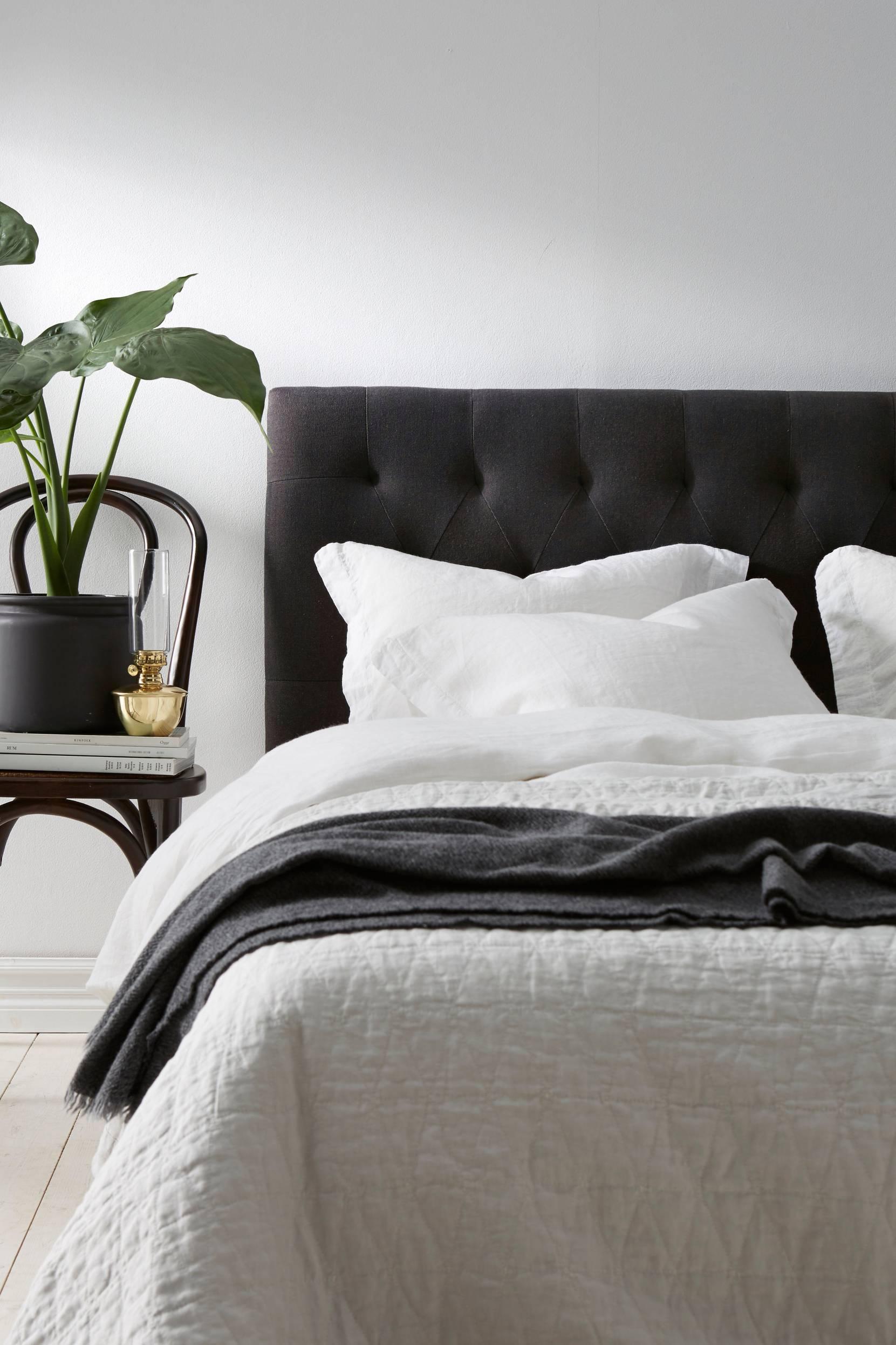 Pehmustettu sängynpääty 160 cm