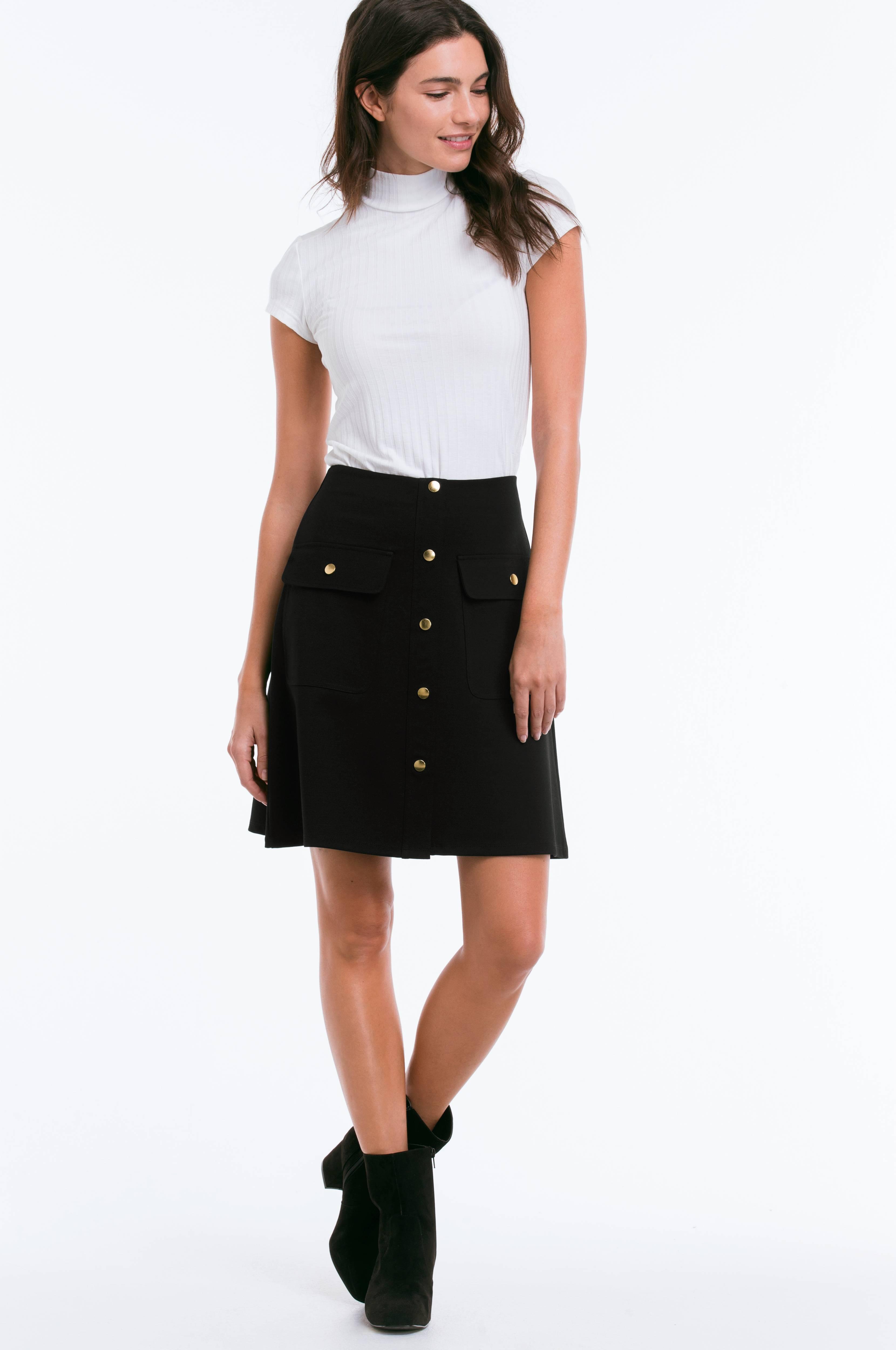 svart kjol med fickor
