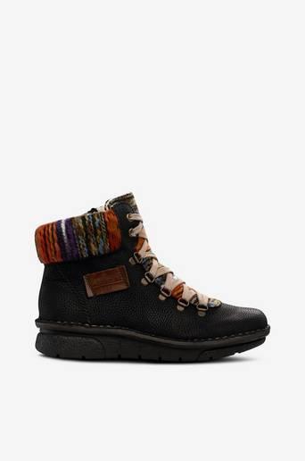 Folklore-henkiset kengät
