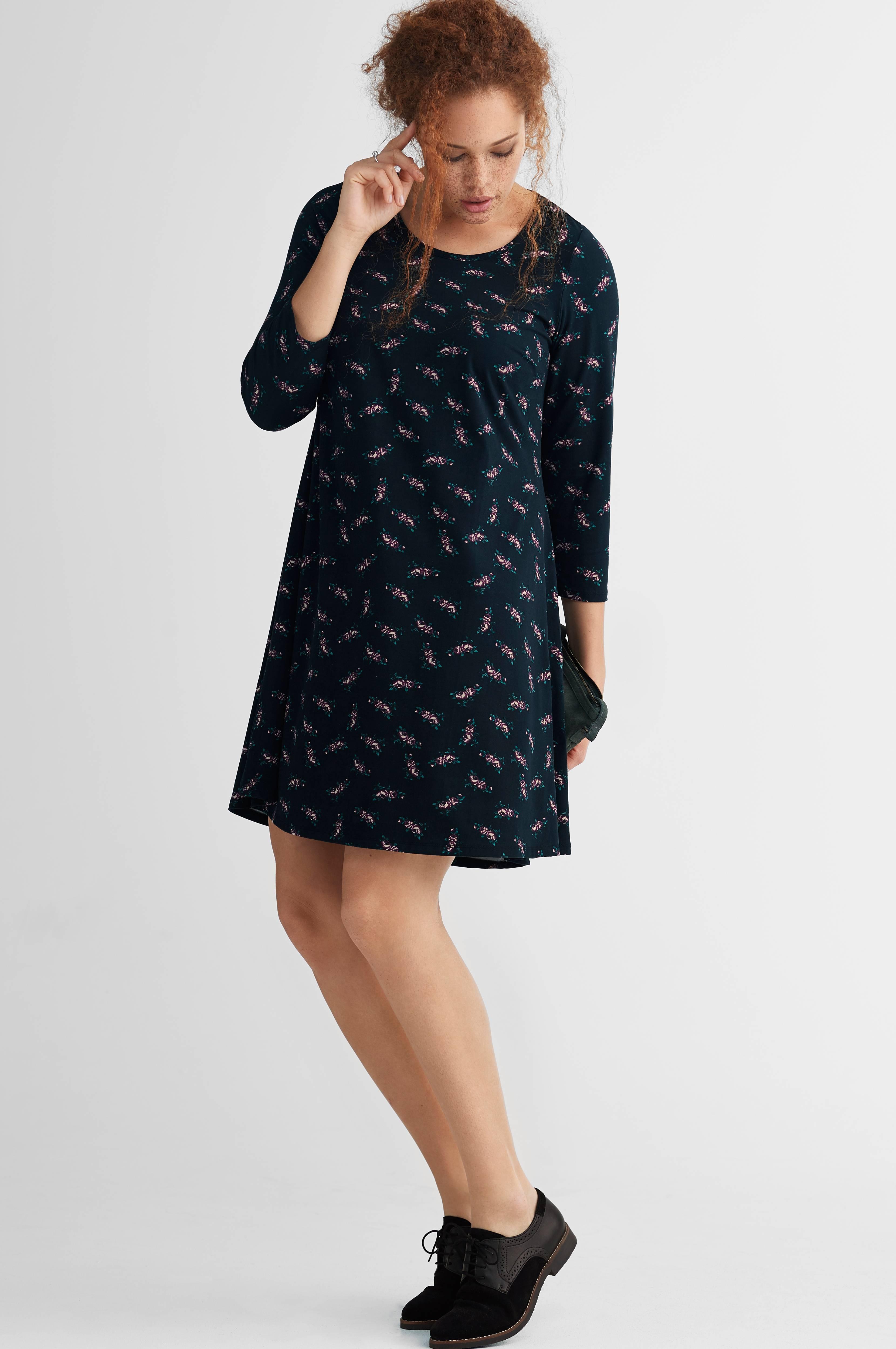 Florlett kjole fra str. 4244