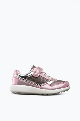 Kengät, joissa kimalletta