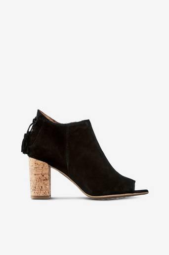 Sandaalit, joissa korkkikorko
