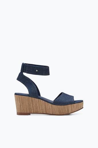 Sandaalit, joissa korokepohja thumbnail