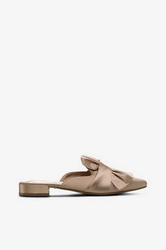 Bow slip in -kengät thumbnail