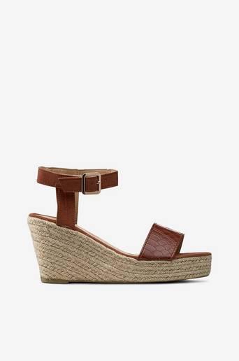 Sandaalit, joissa narupäällysteinen kiilakorko thumbnail
